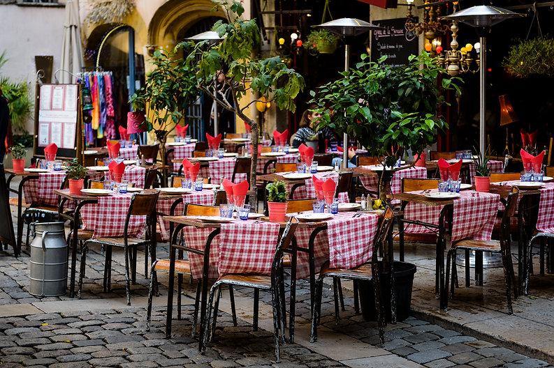 Área de restaurante al aire libre