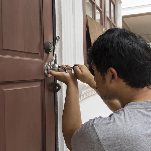 Montaj ușă de interior din CPL