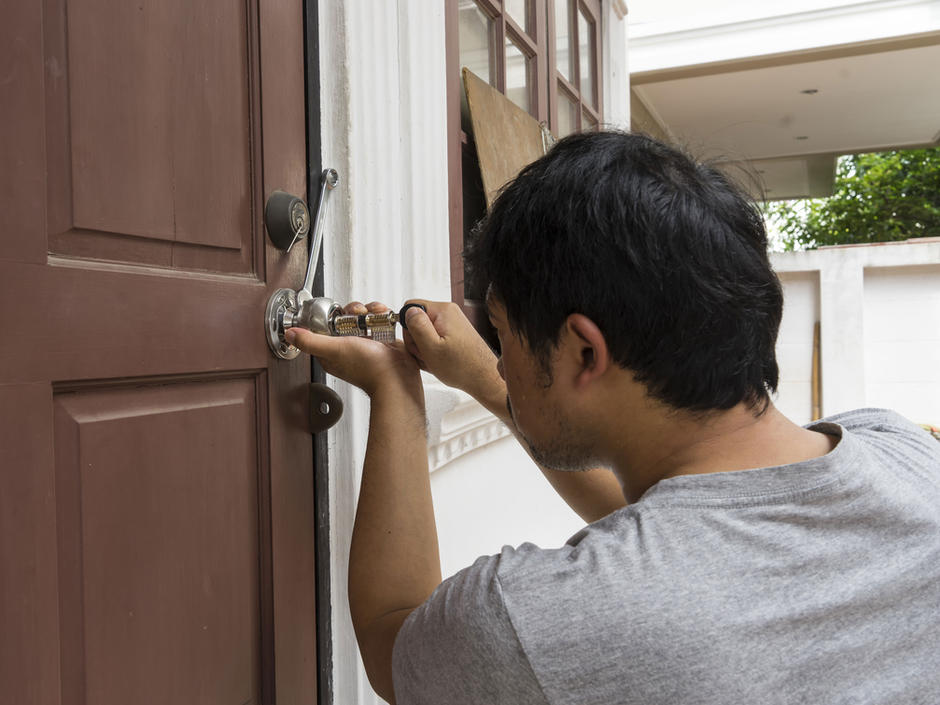 Door LOCK REPAIR & INSTALLATION SERVICES