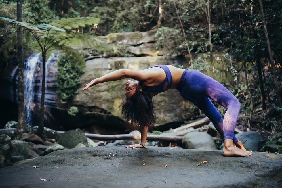 Flexibel kvinna
