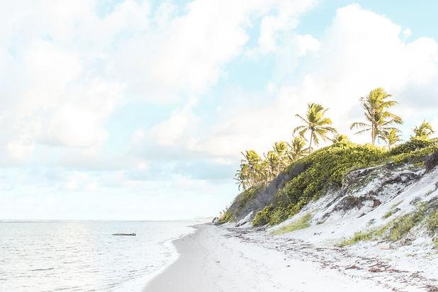人けのないビーチ