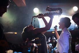 De saxofoon spelen