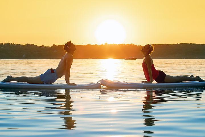SUP Yoga Couple