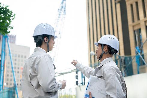 工事現場のビジネスマン