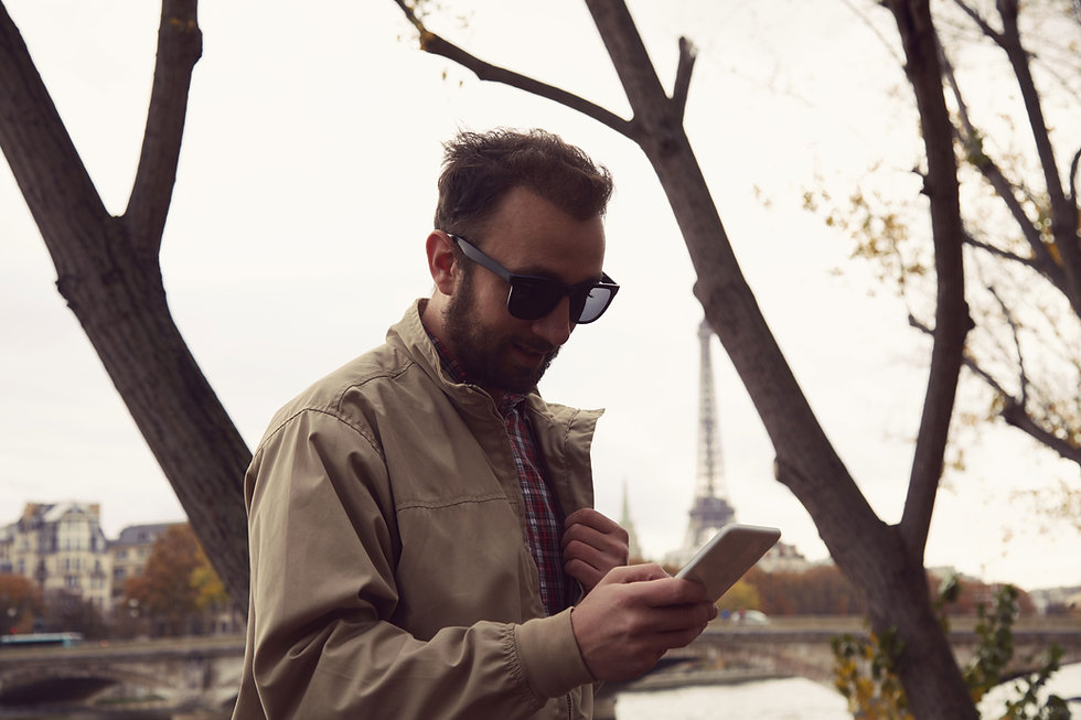 Homme, vérification, téléphone