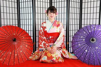 成人振袖撮影・晴れ姿の日本人女性