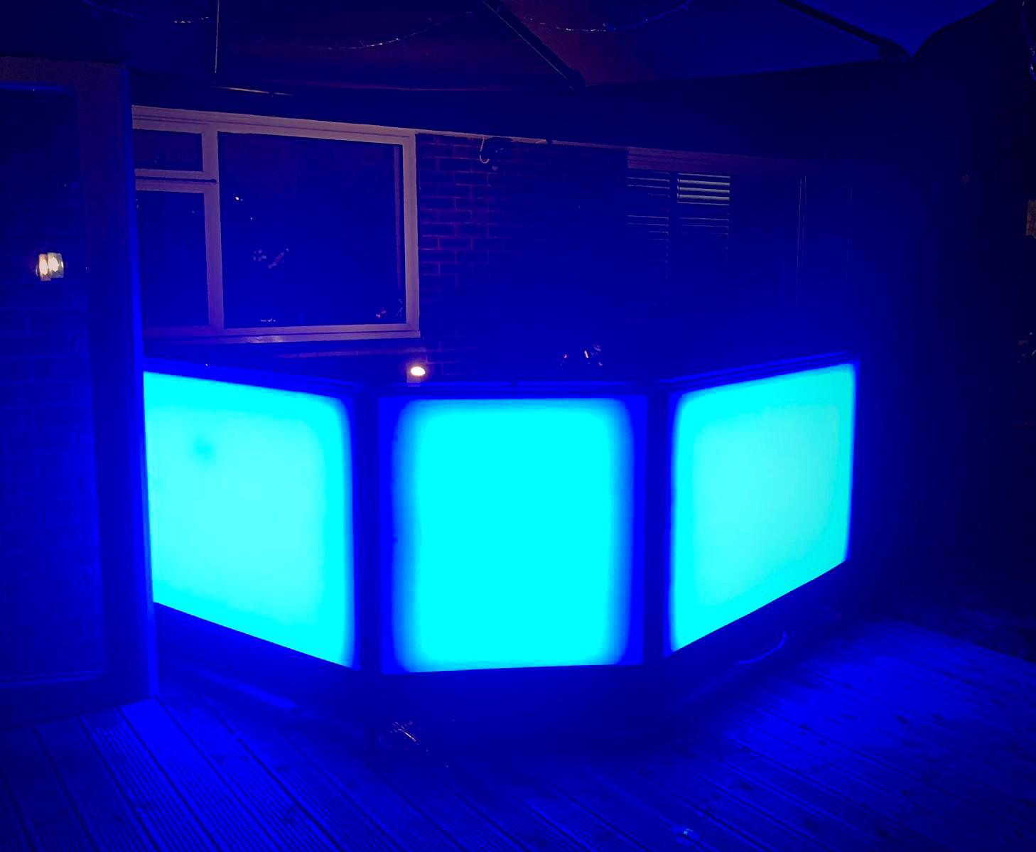 Blue 3 section bar.JPG