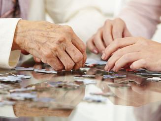 Activities You Can Do with a Loved One Living with Dementia