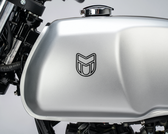 [muttmotorcycles.com][823]MM_Akita-125_V1_Silver_ST-D06_WEB.png