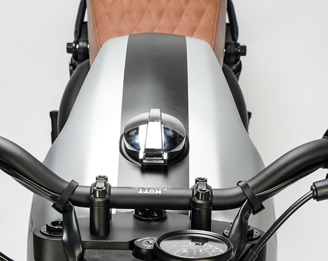 [muttmotorcycles.com][713]MM_Akita-125_V1_Silver_ST-D05_WEB.png