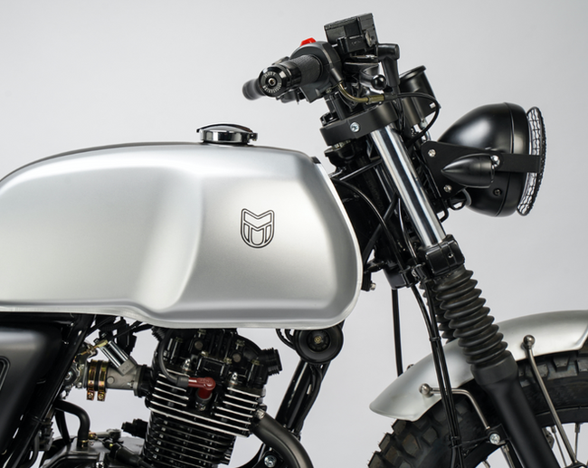 [muttmotorcycles.com][683]MM_Akita-125_V1_Silver_ST-D02_WEB.png