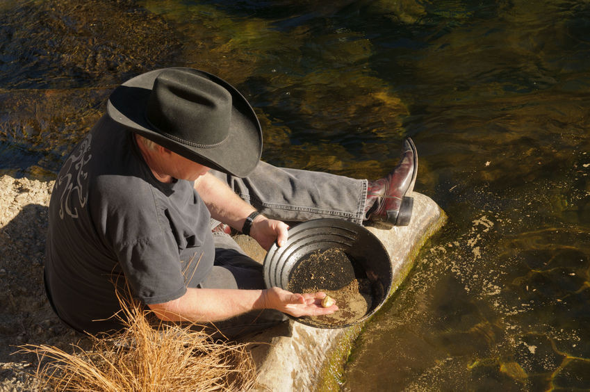 Gold-panning-in-Colorado