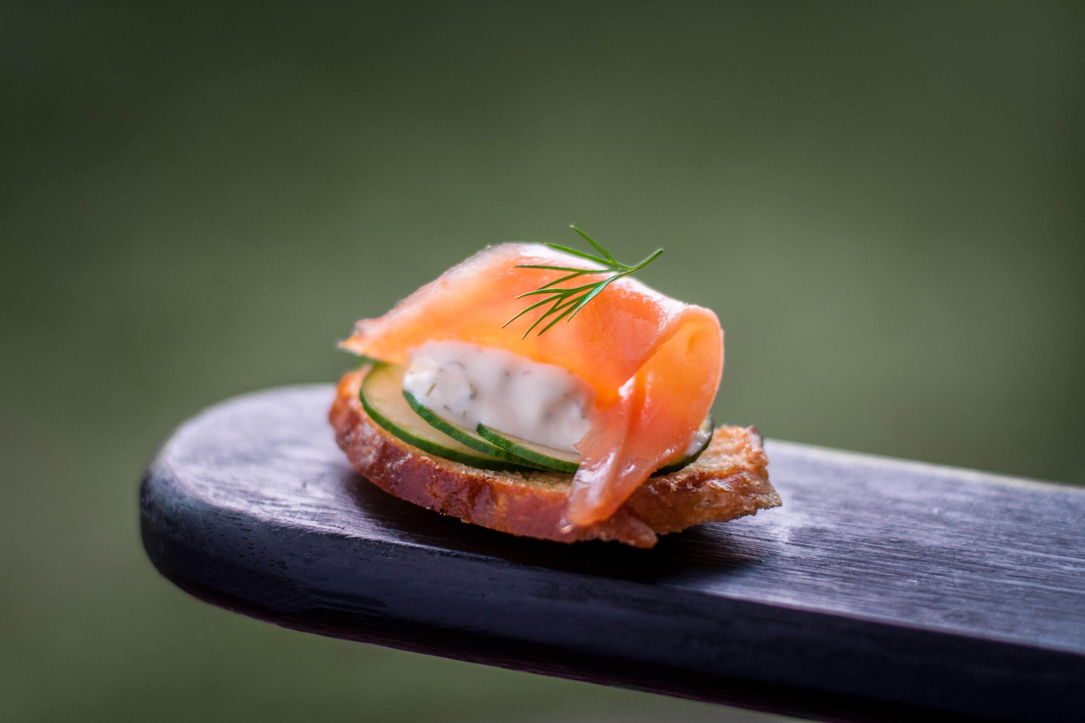 Torradinha de salmão defumado