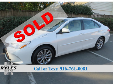 2017 Toyota Camry - Only 3K Miles! Loaded!