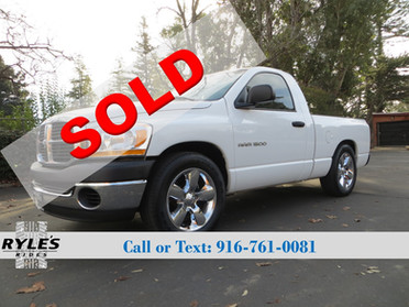 2006 Dodge Ram 1500 - 6 Speed Maual!