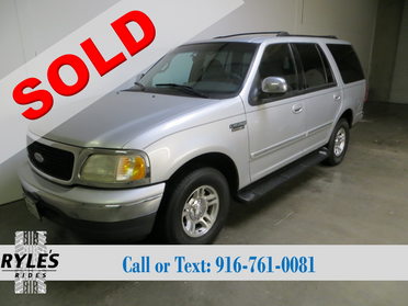 2000 Ford Expedition- Clean!!