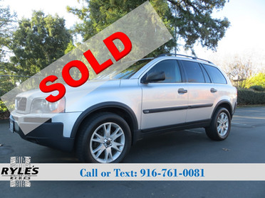 2004 Volvo XC90 - All Wheel Drive!