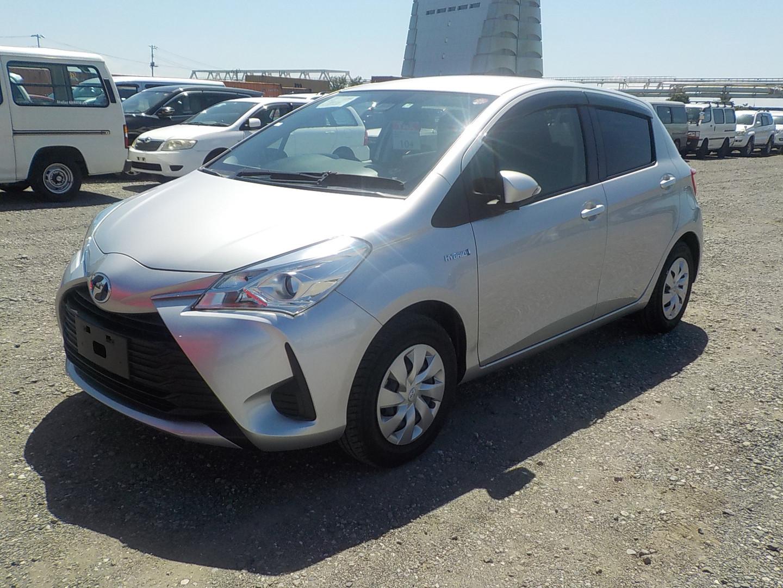 Toyota Vitz Hybrid F