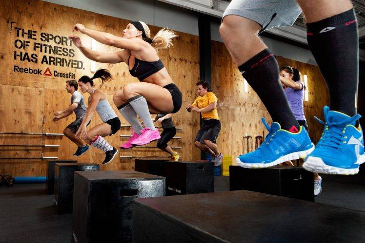 129714-CrossFit-jumping-gyms-748x499.jpe