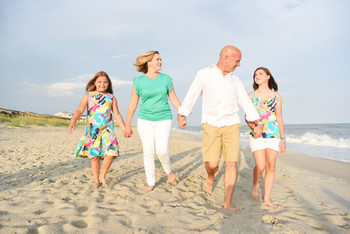 Already Booked Your Summer 2018 Vacation? Remember To Book A Family Beach Photo Session Too!