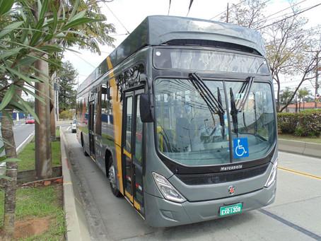Florianópolis ganha ônibus elétrico movido por energia solar