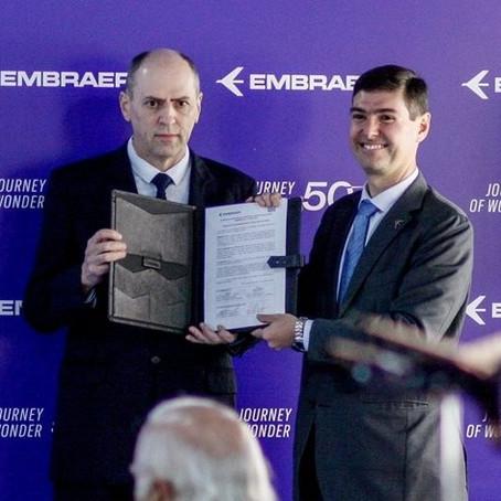 Embraer e WEG fazem parceria para desenvolver avião elétrico
