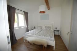 Apartment 1: Schlafzimmer