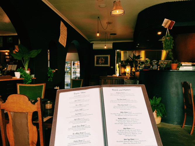 Attaboy Bar & Restaurant Dapto