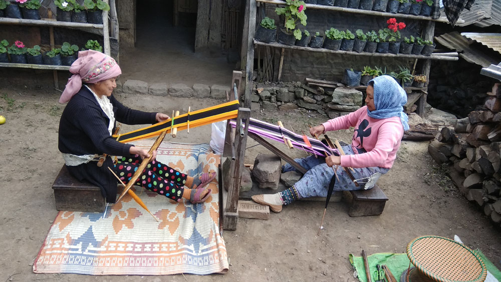 Weaving in Khonoma.jpg
