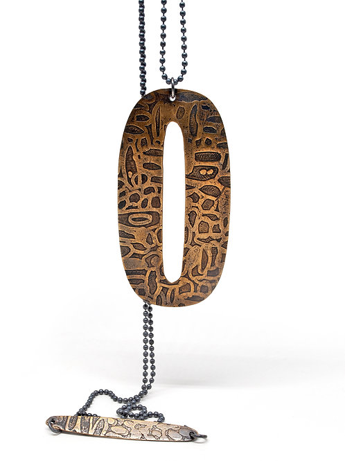 Etched Oh Pendant