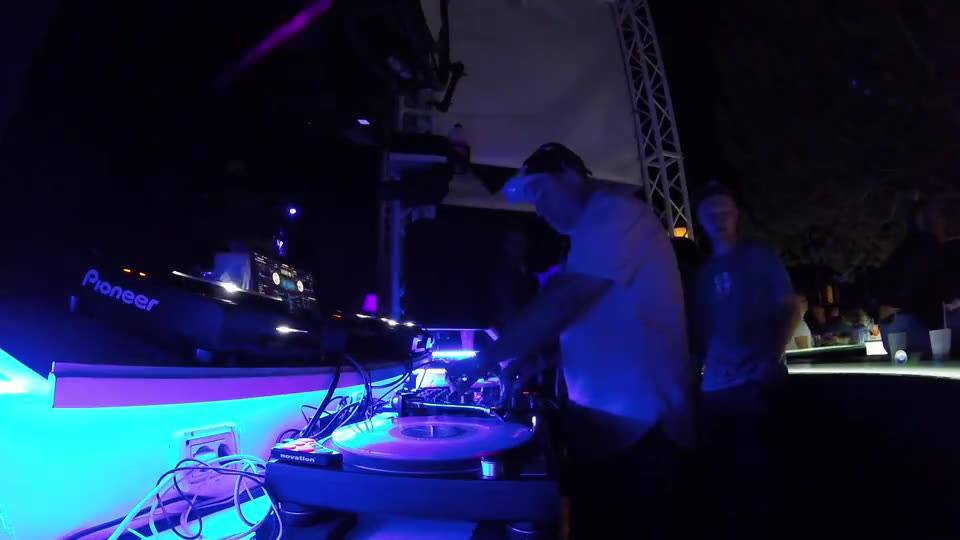 Here is part 2 of the video of my set at Ambra Night, SUN AND BASS with mic support from Wildale Spencer aka MC Fats and the almighty Vanessa Freeman. Need to big up Louis Overfiend for riding the mic levels live too. Nice job sir :)