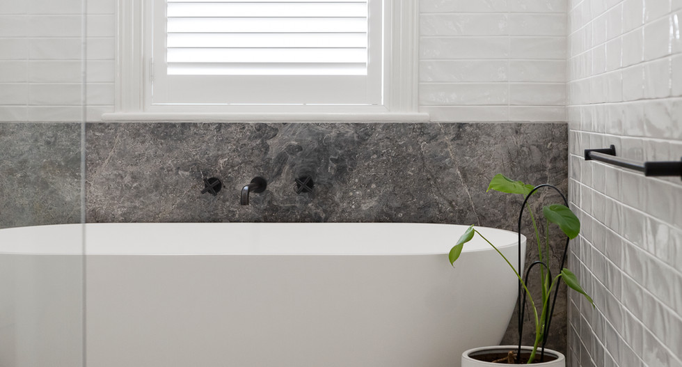 bathroom-KEZPLQQ.jpg