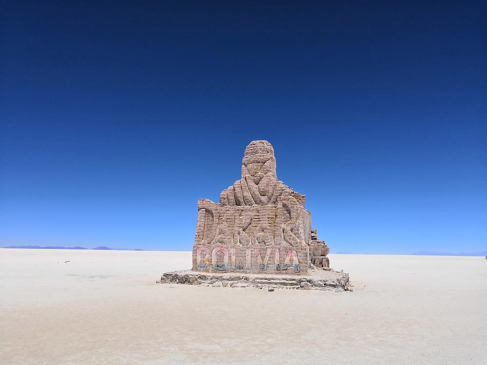 monument-dakar-bolivie