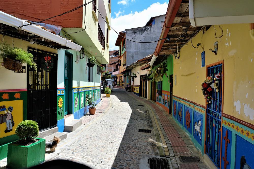 rue-guatapé