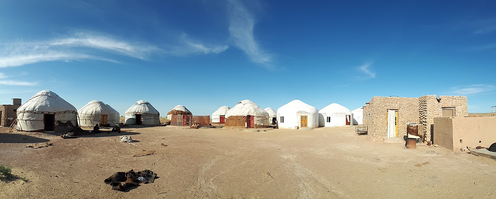 camp-yourtes-ayaz-kala