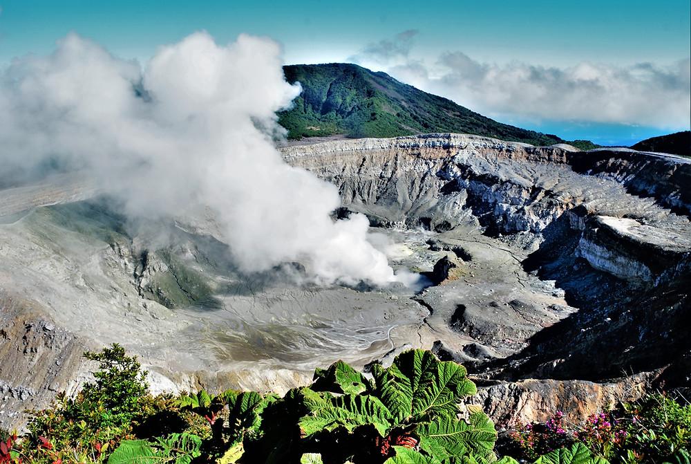 cratere-volcan-poas