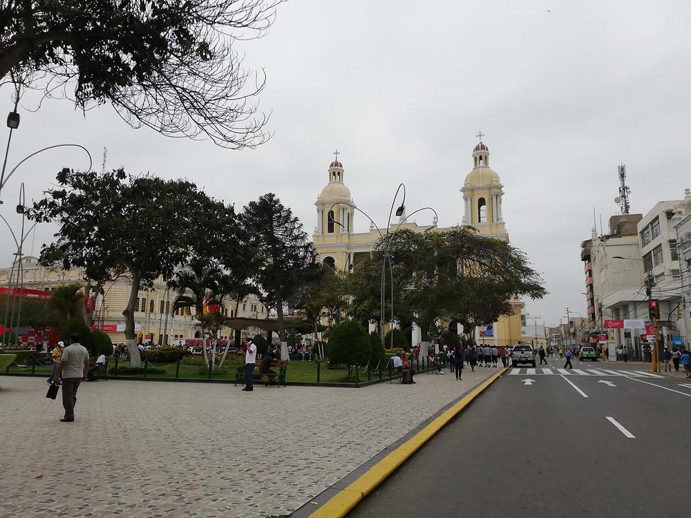 plaza-armas-chiclayo