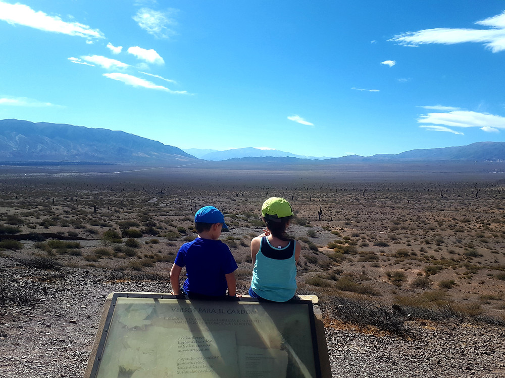 enfants-parc-national-los-cardones