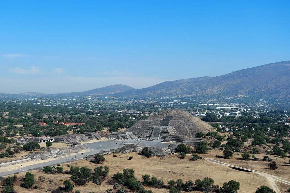 pyramide-lune