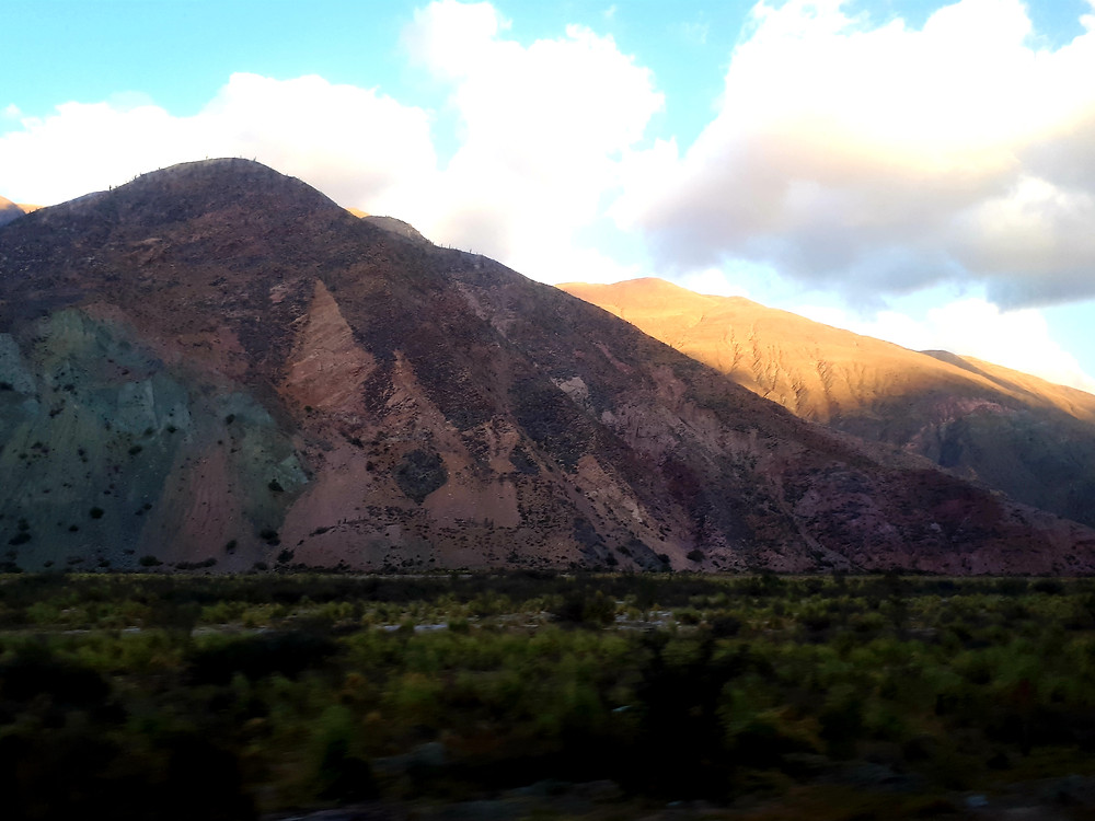 montagne-7couleurs-pumamarca