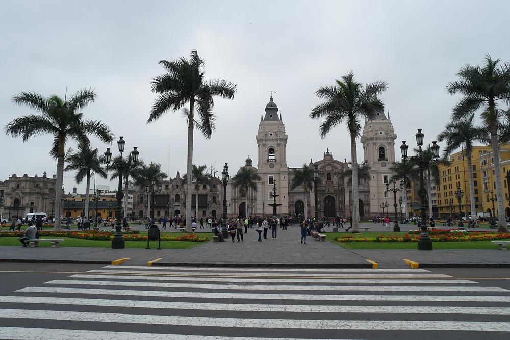 plaza-armas-lima