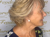 Blond layered short hairstyle