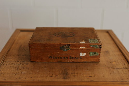 Davis Cigar Box