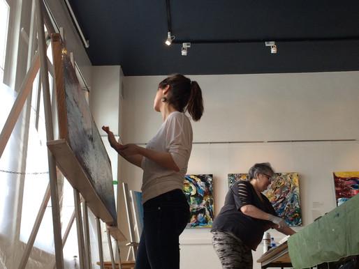 L'artiste reproduit l'expérience d' A-muz-arts /  The artist Repeats the A-muz-arts experience