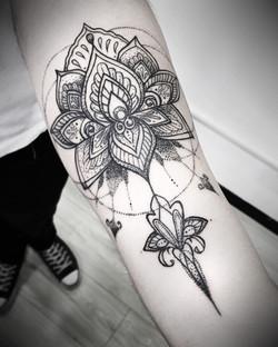 Lotus mandala Black