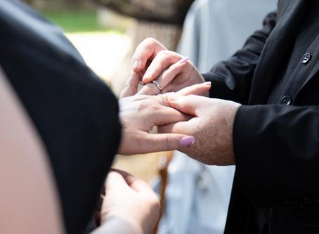 La cérémonie laïque : entre spontanéité, émotion et lâcher-prise