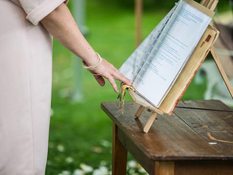 La préparation d'une cérémonie laïque