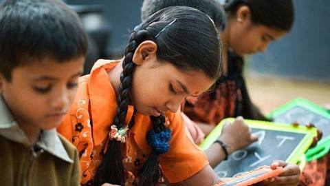 India-child-labour-school-holiday-1.jpg
