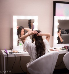 KeechaPhotography-DreamDayDressingRooms-BrideHair