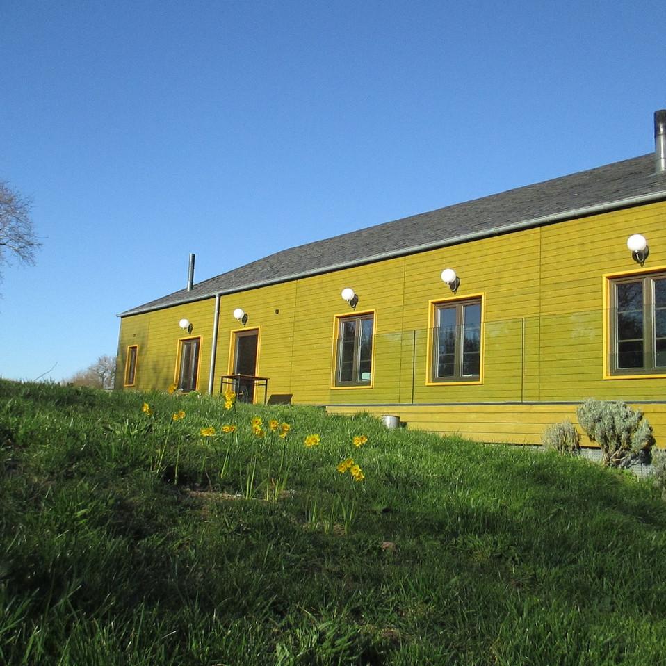 Vista lateral de la casa